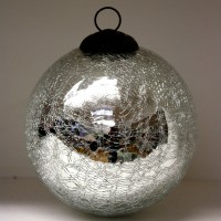Silver Sparkle Crackle Glass Baubles