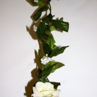 White Rose Garland